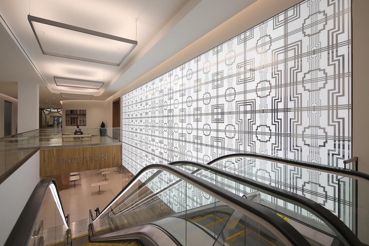 LightPlane Panels in ViviGraphix Graphica glass with custom graphic interlayer